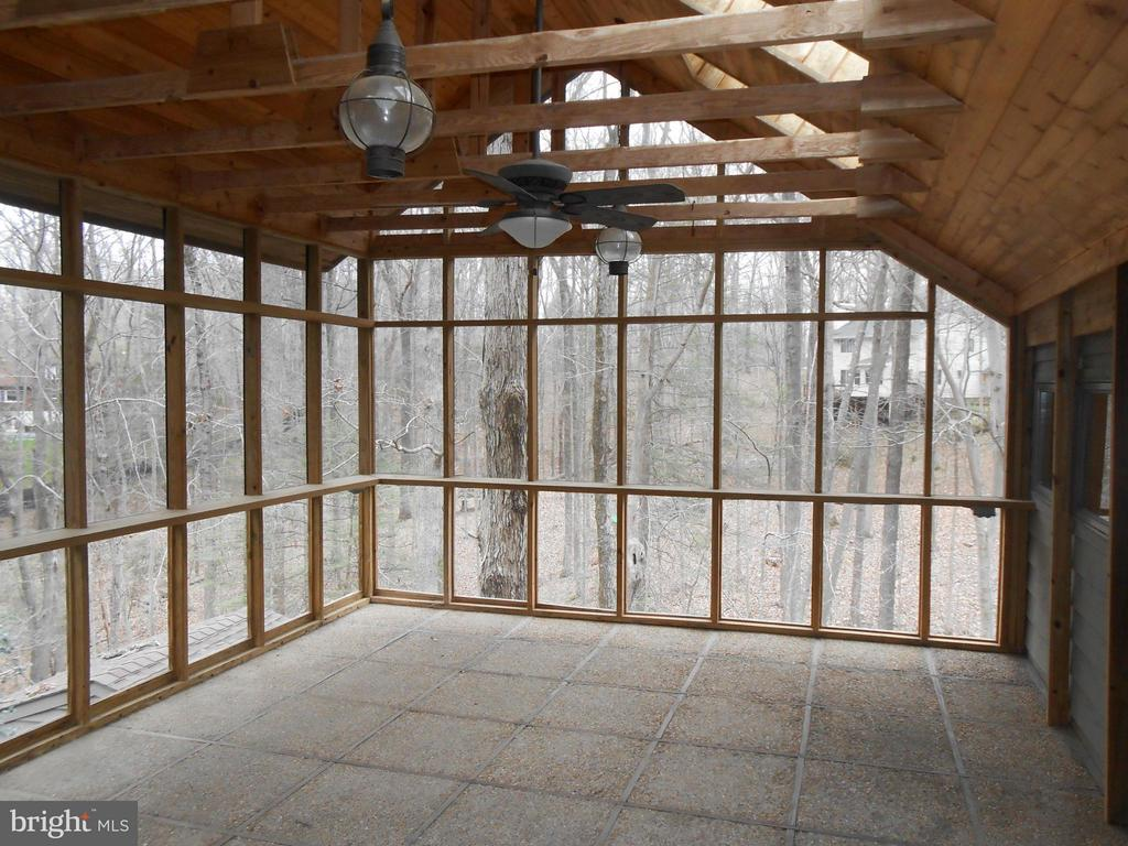 Private Screened Porch off Master Bedroom - 10009 WISAKON TRL, MANASSAS