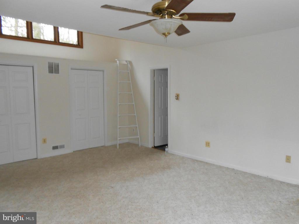 Master Bedroom - Full Wall Closet - 10009 WISAKON TRL, MANASSAS