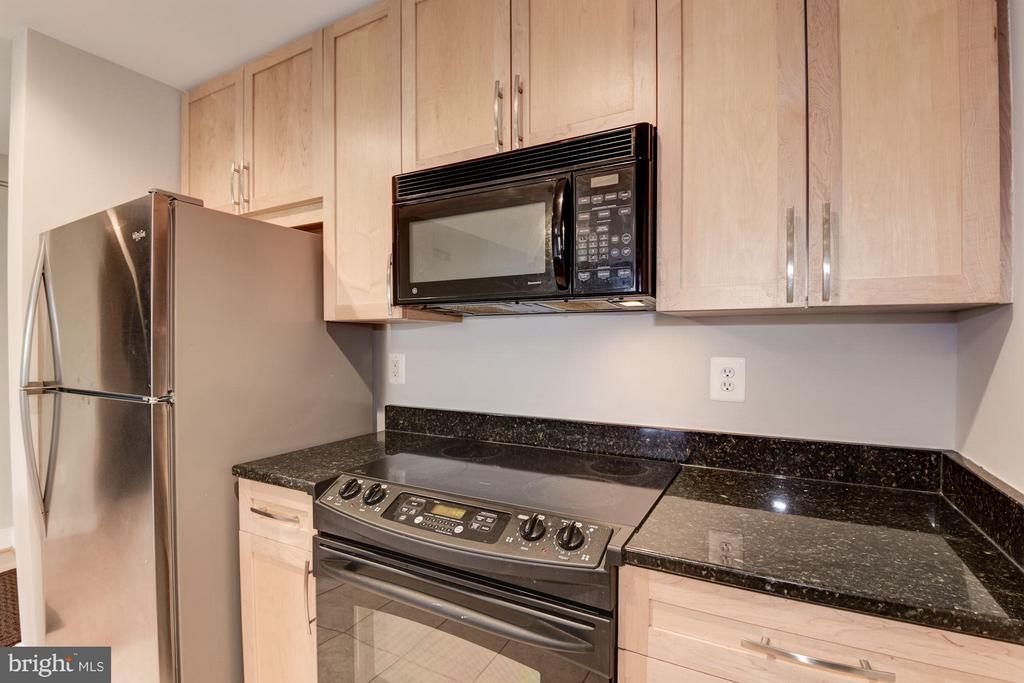 Kitchen (2 of 3) - 4101 ALBEMARLE ST NW #526, WASHINGTON