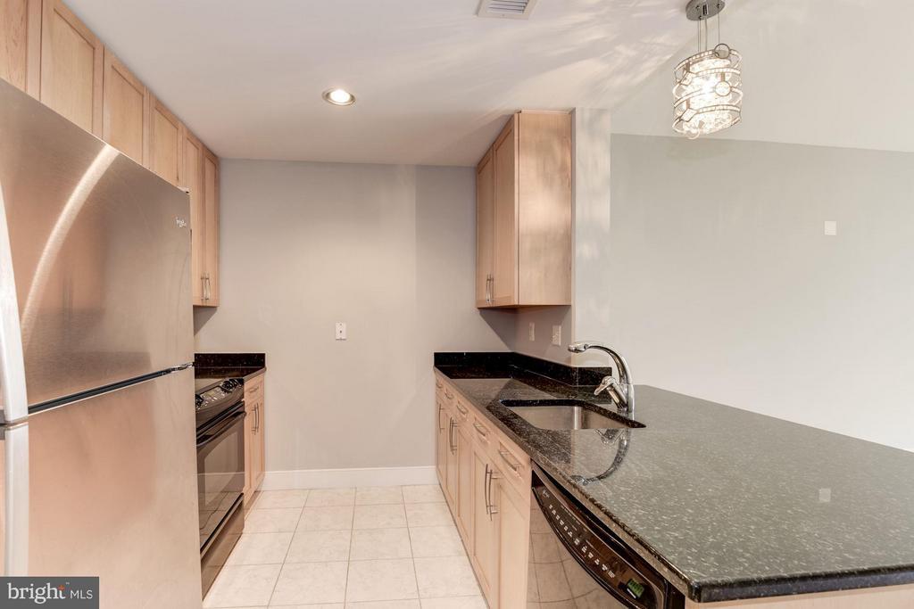 Kitchen (1 of 3) - 4101 ALBEMARLE ST NW #526, WASHINGTON