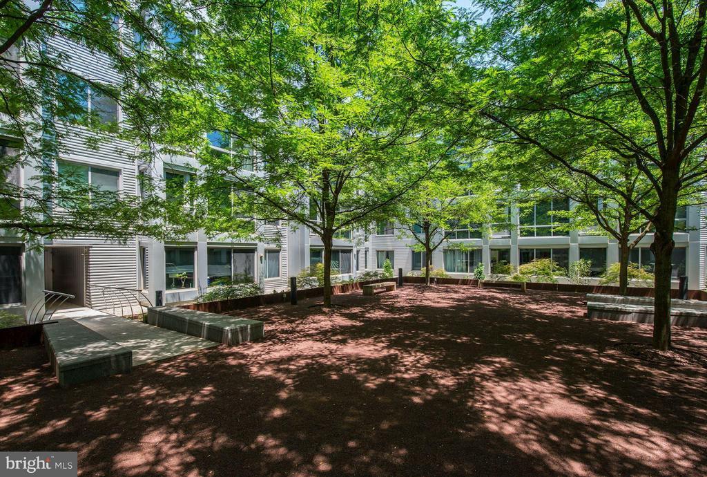 Courtyard - 4101 ALBEMARLE ST NW #526, WASHINGTON