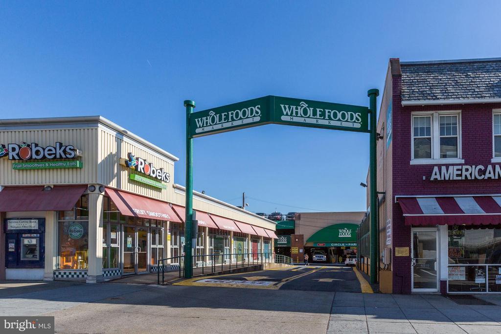 Community Whole Foods - 4101 ALBEMARLE ST NW #526, WASHINGTON