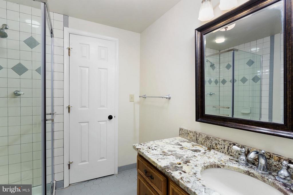 Full Bath in Lower Level - 10402 HAMPTON RD, FAIRFAX STATION
