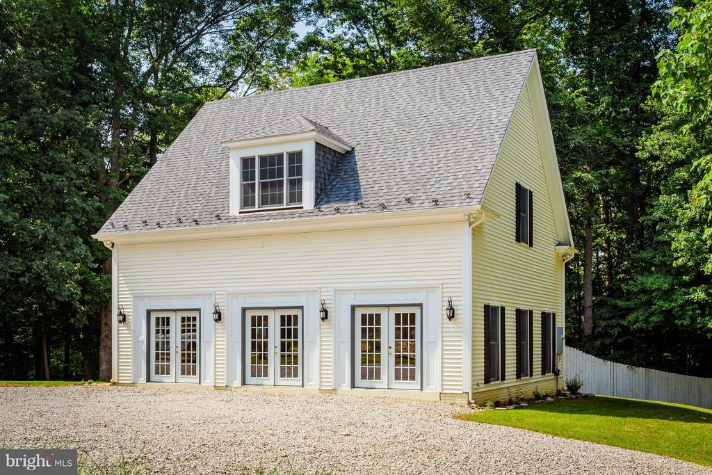 Guest House - 10402 HAMPTON RD, FAIRFAX STATION