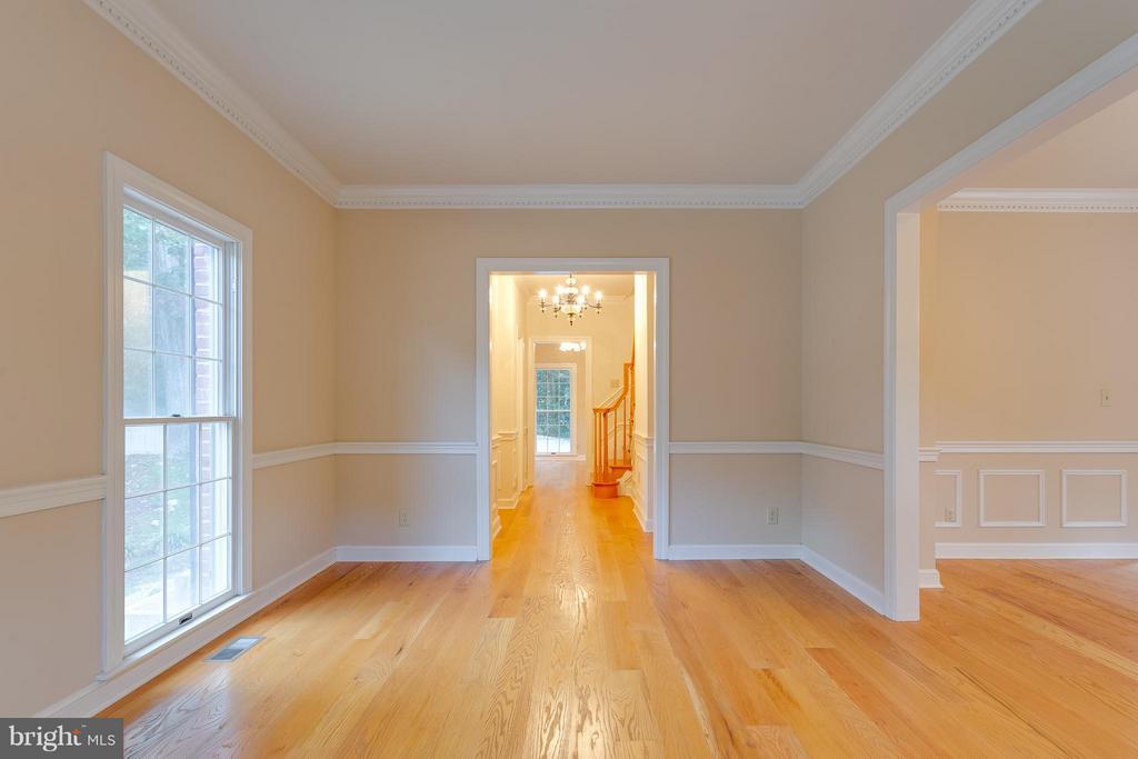 Living Room - 10402 HAMPTON RD, FAIRFAX STATION