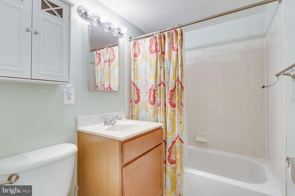 Full Bath - 1289 VAN DORN ST, ALEXANDRIA