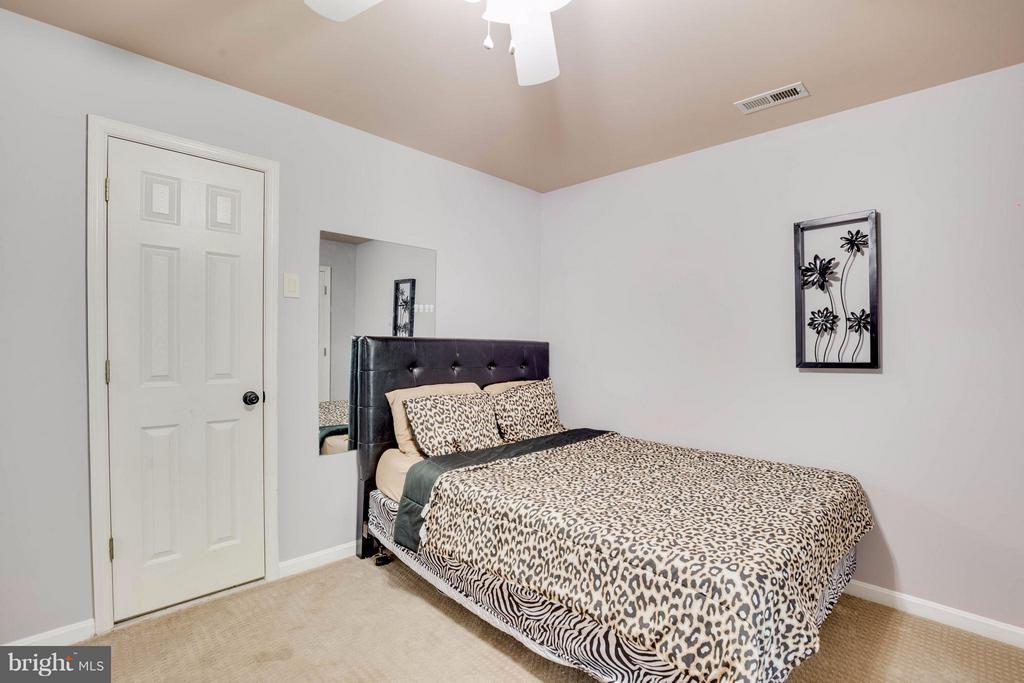 Nice Bedroom - 7302 CLOVERHILL RD, SPOTSYLVANIA