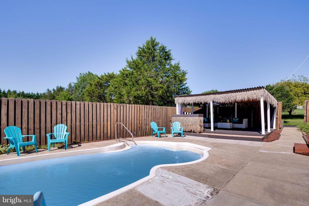 Nice Pool - 7302 CLOVERHILL RD, SPOTSYLVANIA