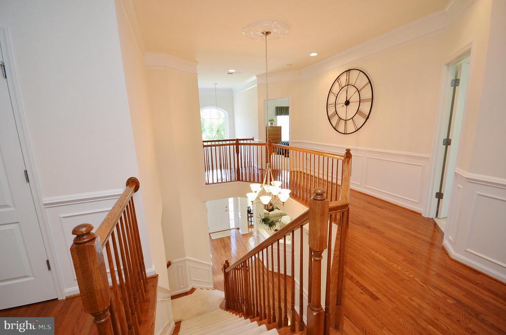 Upper Level Hallway with Hardwood Flooring - 43014 PARK CREEK DR, BROADLANDS