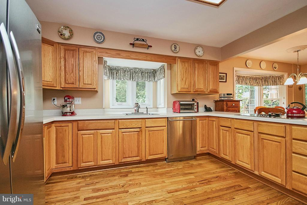 Kitchen - 6204 SANDSTONE WAY, CLIFTON