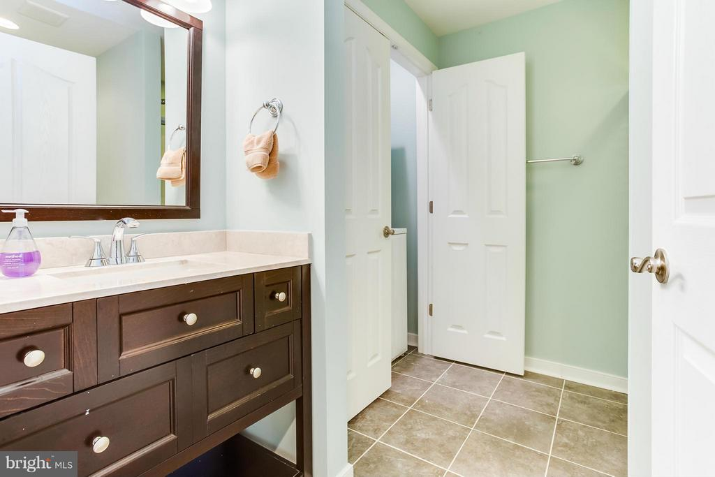 Full Bathroom - 98 COACHMAN CIR, STAFFORD