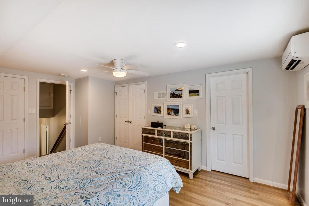 Private Master Bedroom on 4th Level - 5312 TRUMAN AVE, ALEXANDRIA