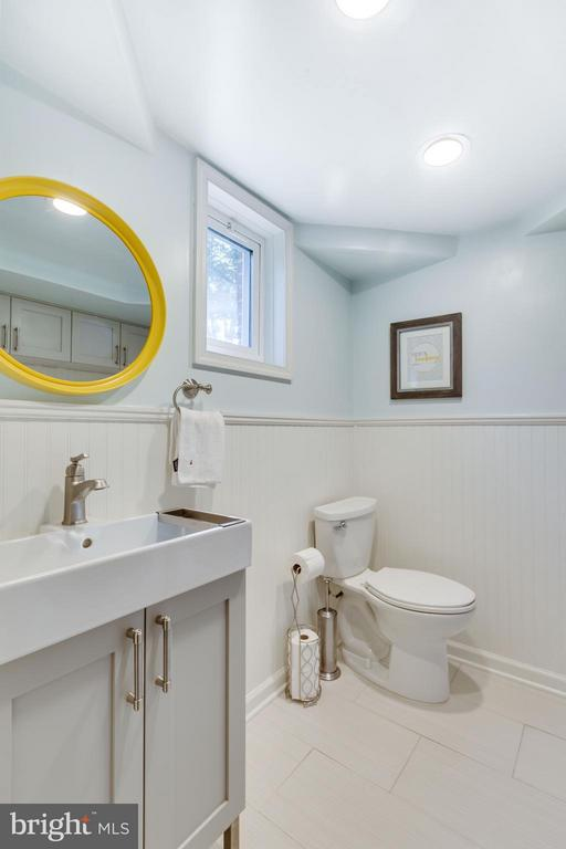 Half bath in basement - renovated in 2015 - 5312 TRUMAN AVE, ALEXANDRIA