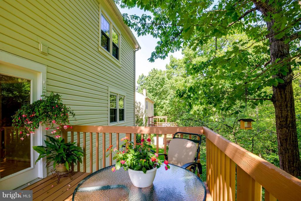 The deck is peaceful and secluded - 12559 LIEUTENANT NICHOLS RD, FAIRFAX