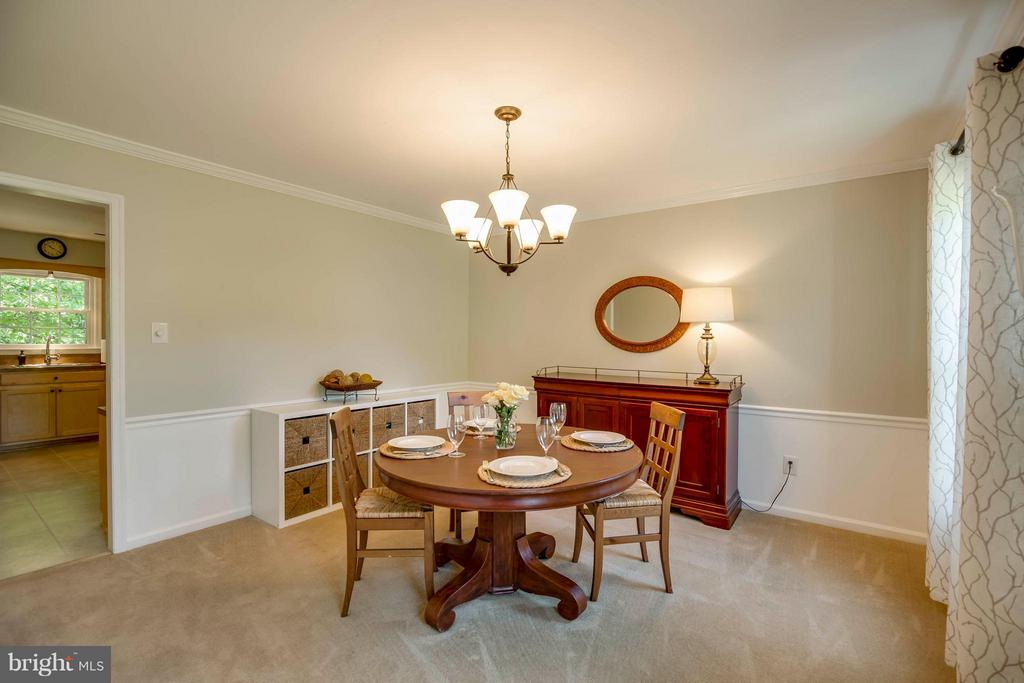 Great Floor Plan - 12559 LIEUTENANT NICHOLS RD, FAIRFAX