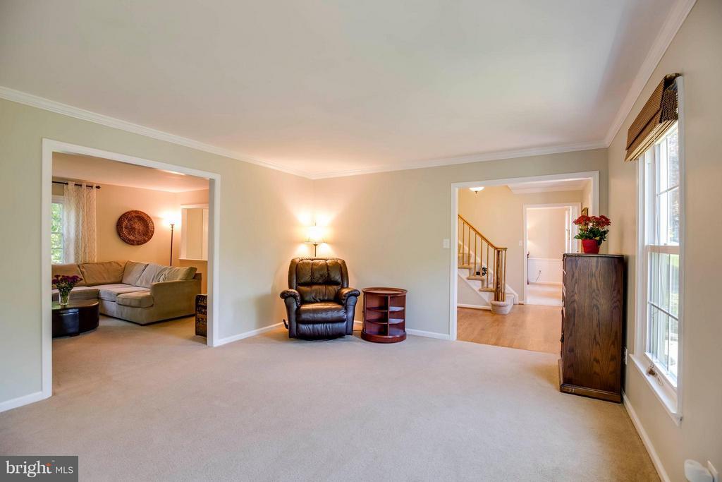 Living Room - 12559 LIEUTENANT NICHOLS RD, FAIRFAX