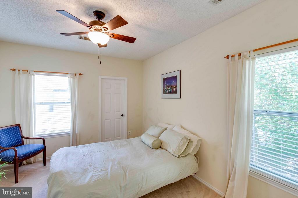 Master Bedroom #2 with Attached Full Bath - 4404 HELMSFORD LN #203, FAIRFAX