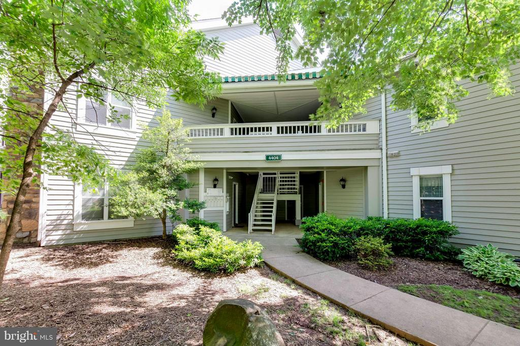 Front Entrance - 4404 HELMSFORD LN #203, FAIRFAX