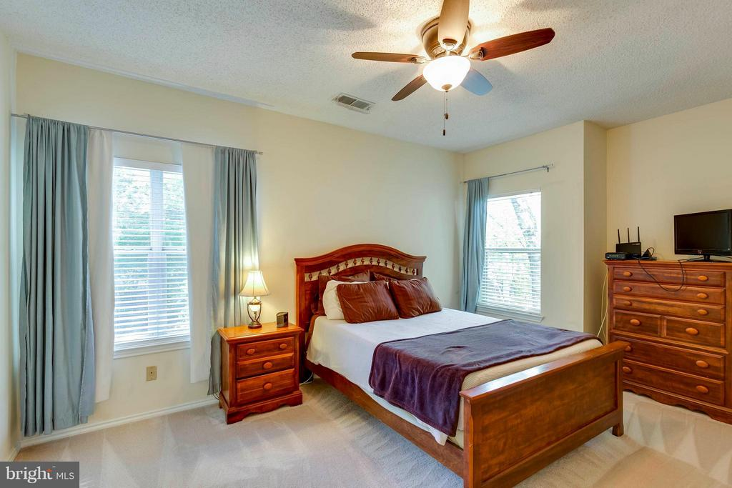 Master Bedroom #1 with Attached Full Bath - 4404 HELMSFORD LN #203, FAIRFAX