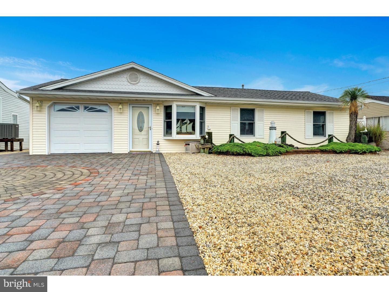 Частный односемейный дом для того Продажа на 107 IRVINGTON Road Barnegat, Нью-Джерси 08005 Соединенные Штаты