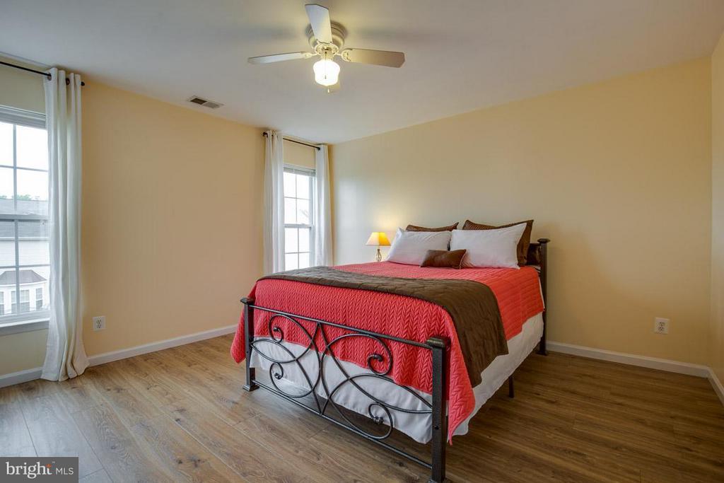 Bedroom 2 Upper Level - 14832 LINKS POND CIR, GAINESVILLE