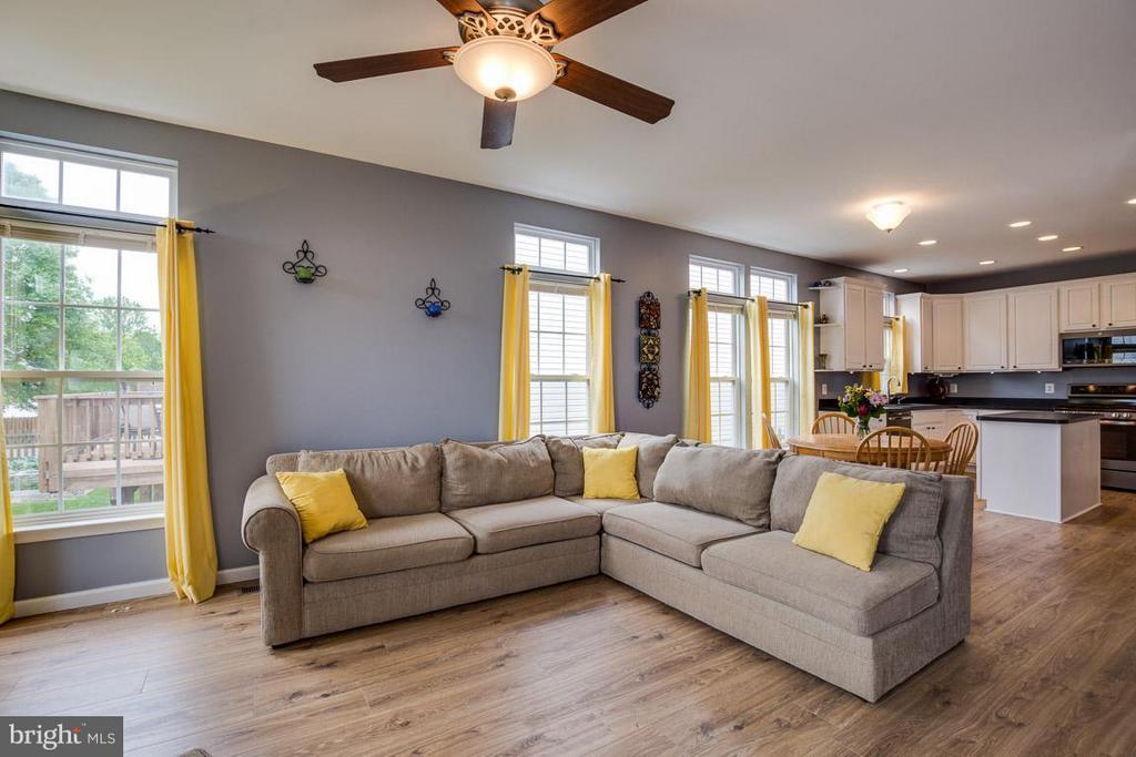 Living Room/Kitchen - 14832 LINKS POND CIR, GAINESVILLE