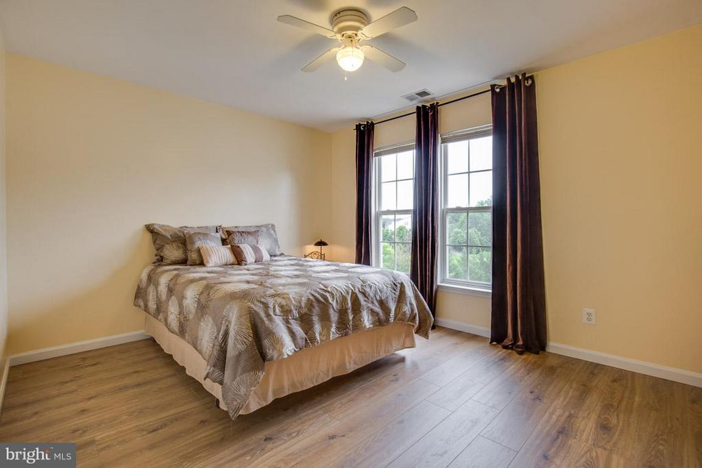 Bedroom 3 Upper Level - 14832 LINKS POND CIR, GAINESVILLE