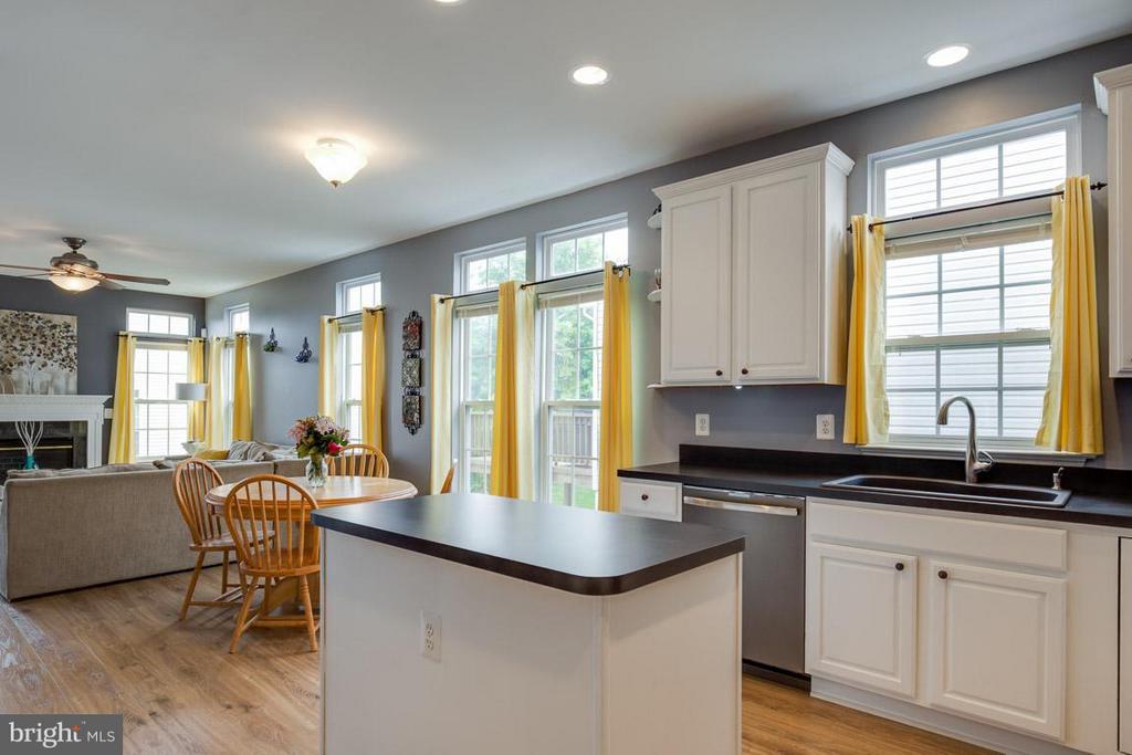 Kitchen/Living Room - 14832 LINKS POND CIR, GAINESVILLE