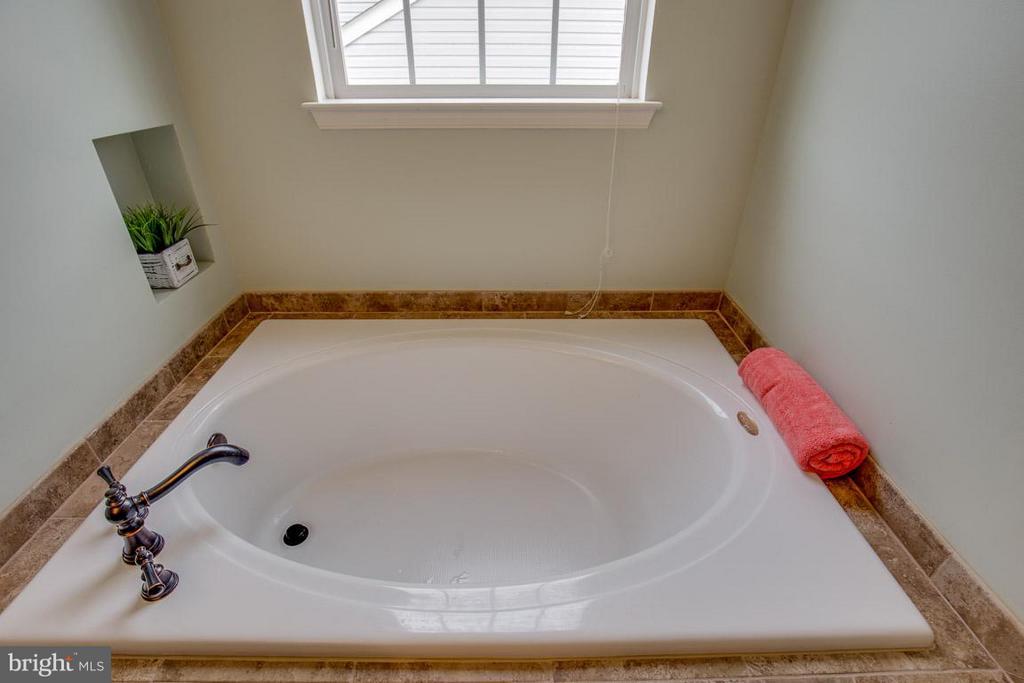 Master Bath Upper Level - 14832 LINKS POND CIR, GAINESVILLE