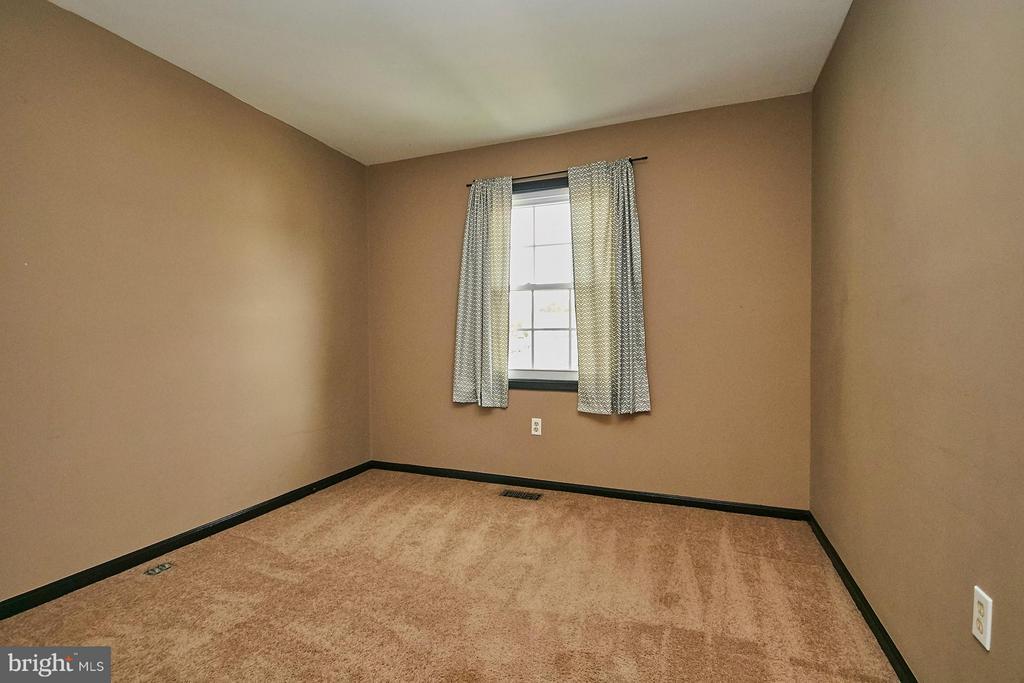 Bedroom - 8657 POINT OF WOODS DR, MANASSAS