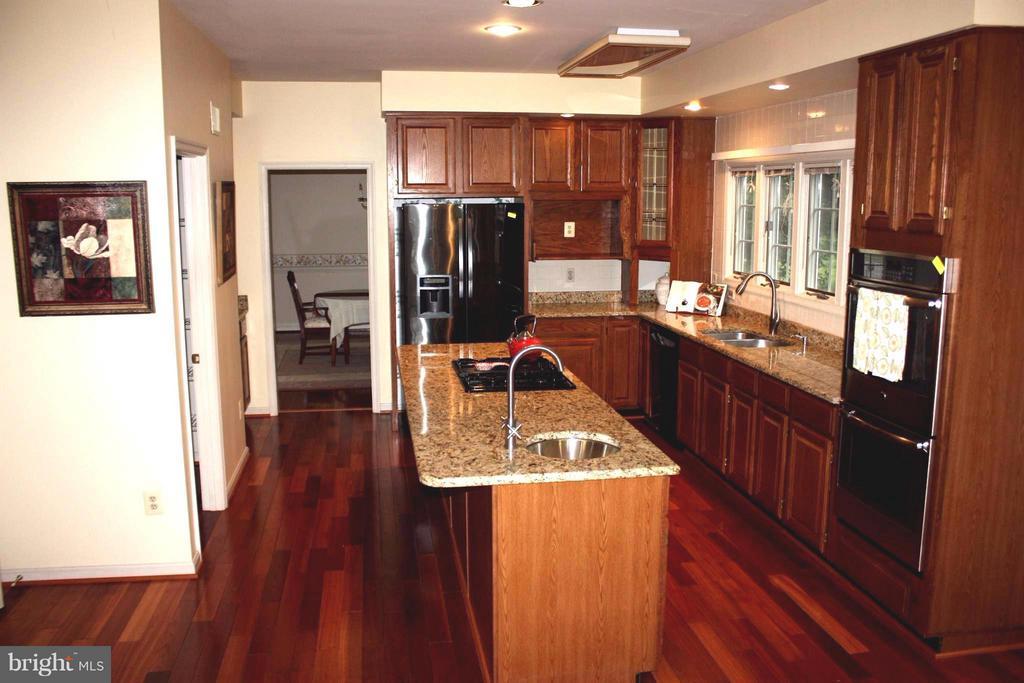 Kitchen - 46437 ESTERBROOK CIR, STERLING