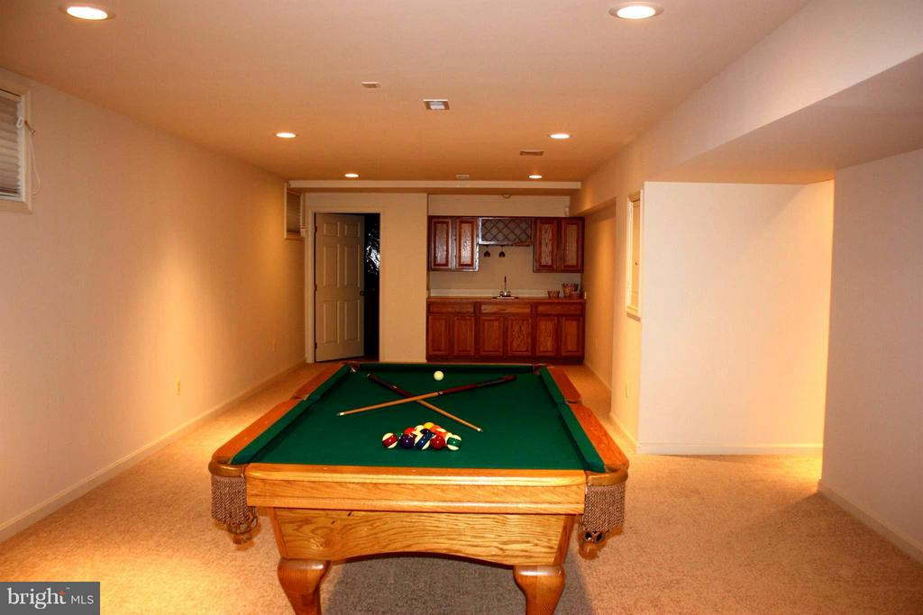Huge basement - 46437 ESTERBROOK CIR, STERLING