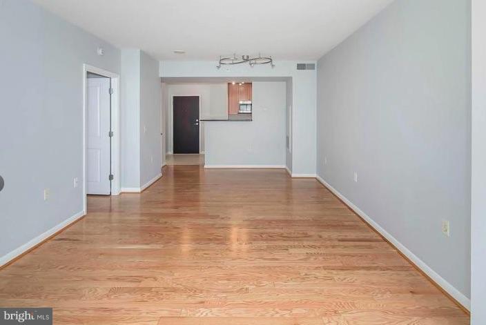 Living Room - 851 N GLEBE RD #1707, ARLINGTON
