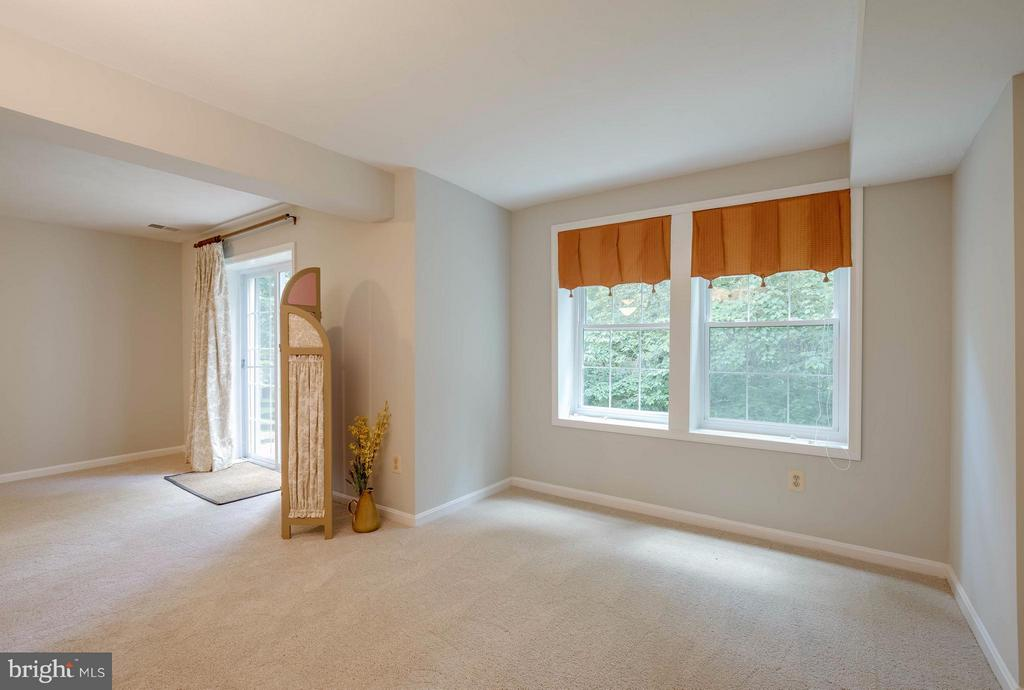 Possible 5th Bedroom - 12029 SUGARLAND VALLEY DR, HERNDON