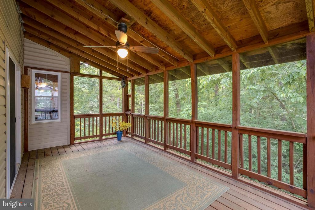 Screened Porch - 12029 SUGARLAND VALLEY DR, HERNDON