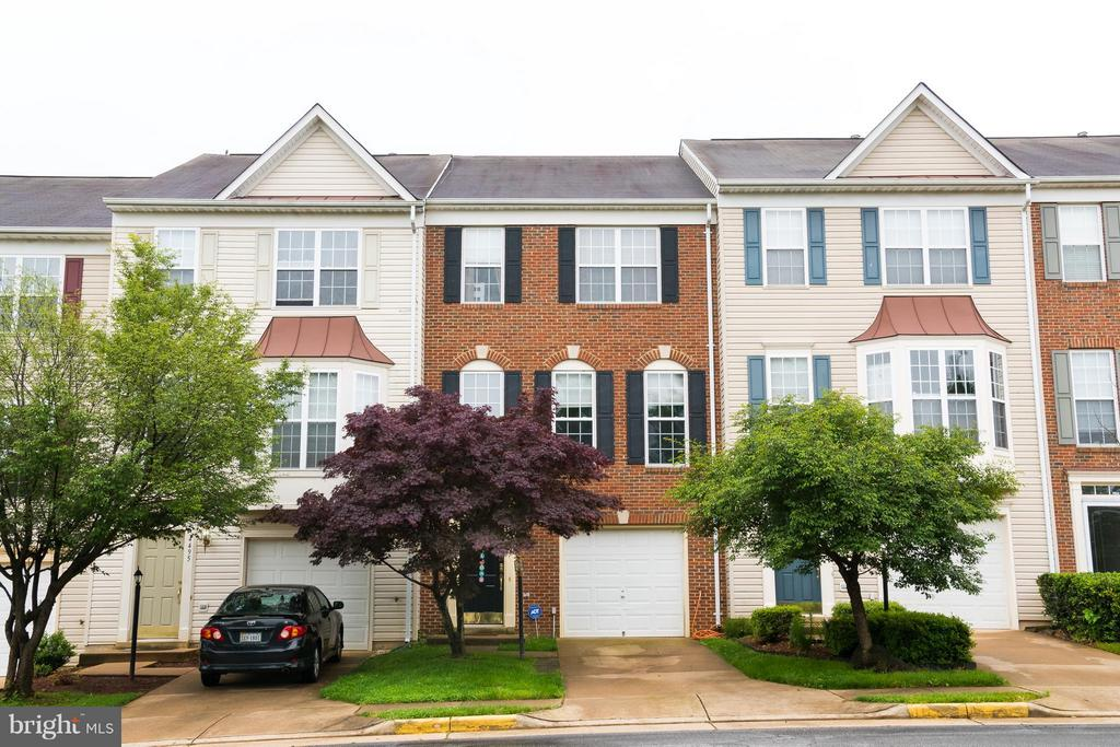 Beautiful brick front townhome - 4497 TORRENCE PL, WOODBRIDGE