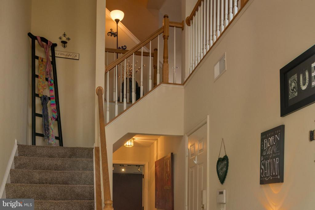 Foyer leads to main level - 4497 TORRENCE PL, WOODBRIDGE