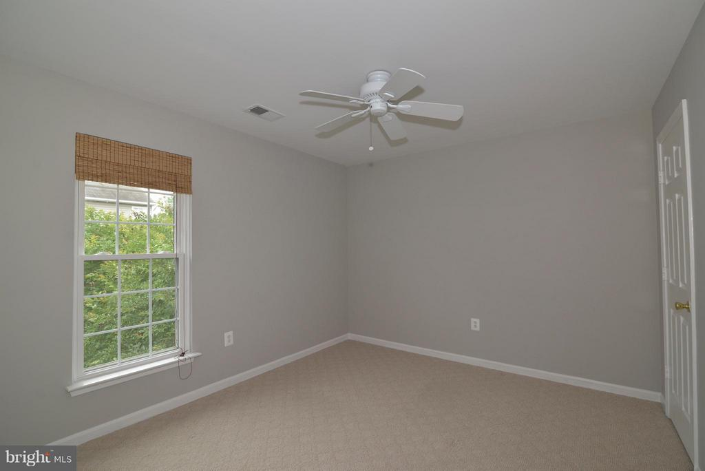 2nd of 4 bedrooms - 611 MARSHALL DR NE, LEESBURG