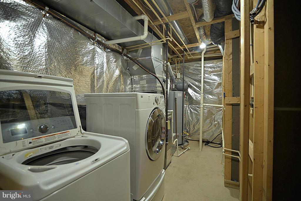 Laundry room - 611 MARSHALL DR NE, LEESBURG