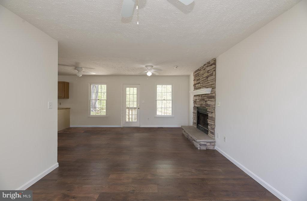 Family Room - 10601 SUMAC CT, FREDERICKSBURG