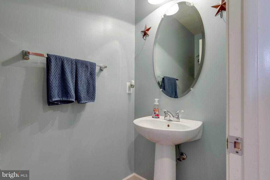 Powder Room - 15300 MARIBELLE PL, WOODBRIDGE
