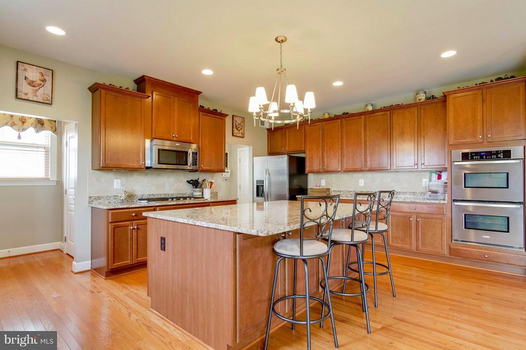 Kitchen - 15300 MARIBELLE PL, WOODBRIDGE
