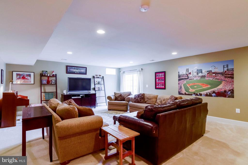 Basement Rec Room - 15300 MARIBELLE PL, WOODBRIDGE