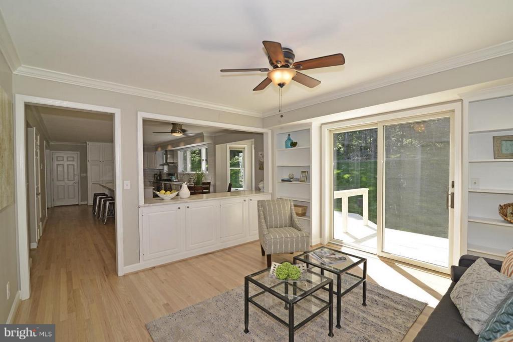 Morning room off of kitchen. - 287 BARKER LN, BLUEMONT