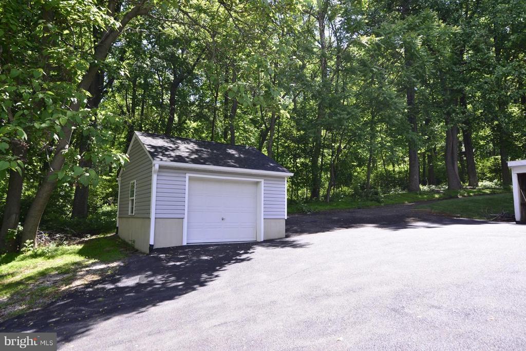 1 car garage or shed. - 287 BARKER LN, BLUEMONT