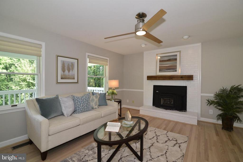Cozy up to the real wood fireplace. - 287 BARKER LN, BLUEMONT