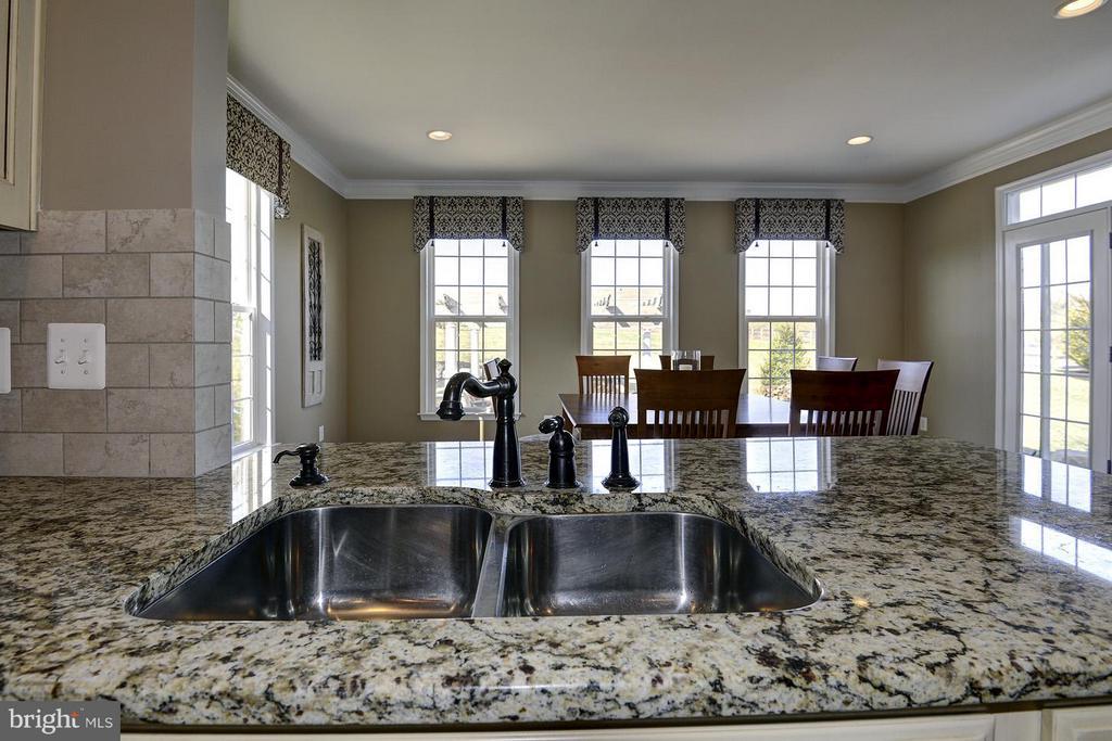 Sink overlooks breakfast/sunroom - 16545 LEVADE DR, LEESBURG