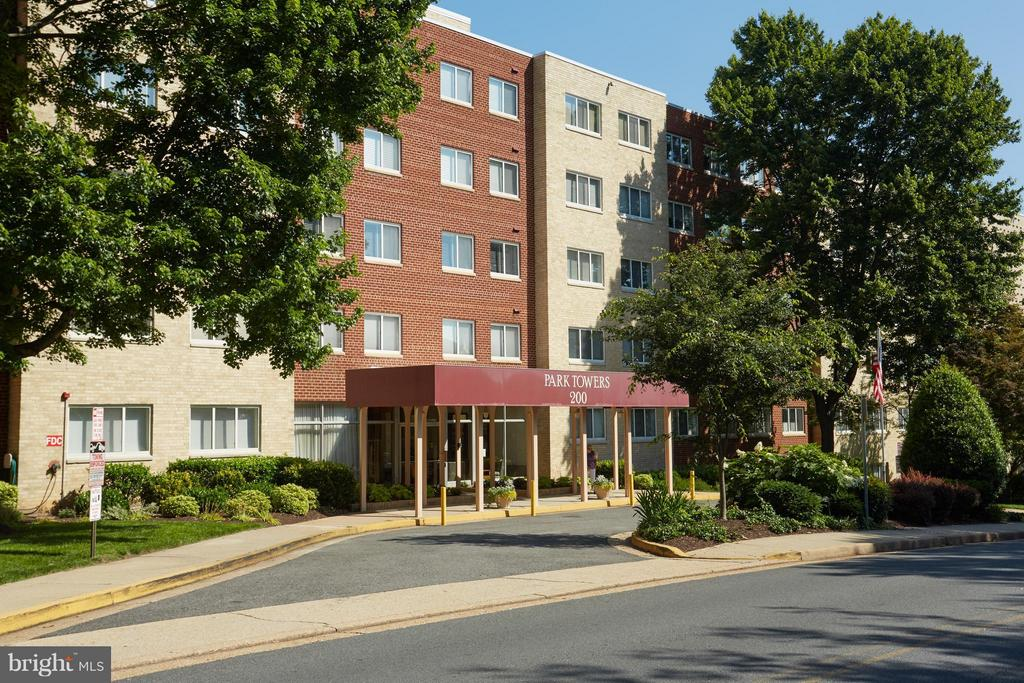 In the heart of Falls Church City - 200 MAPLE AVE N #410, FALLS CHURCH