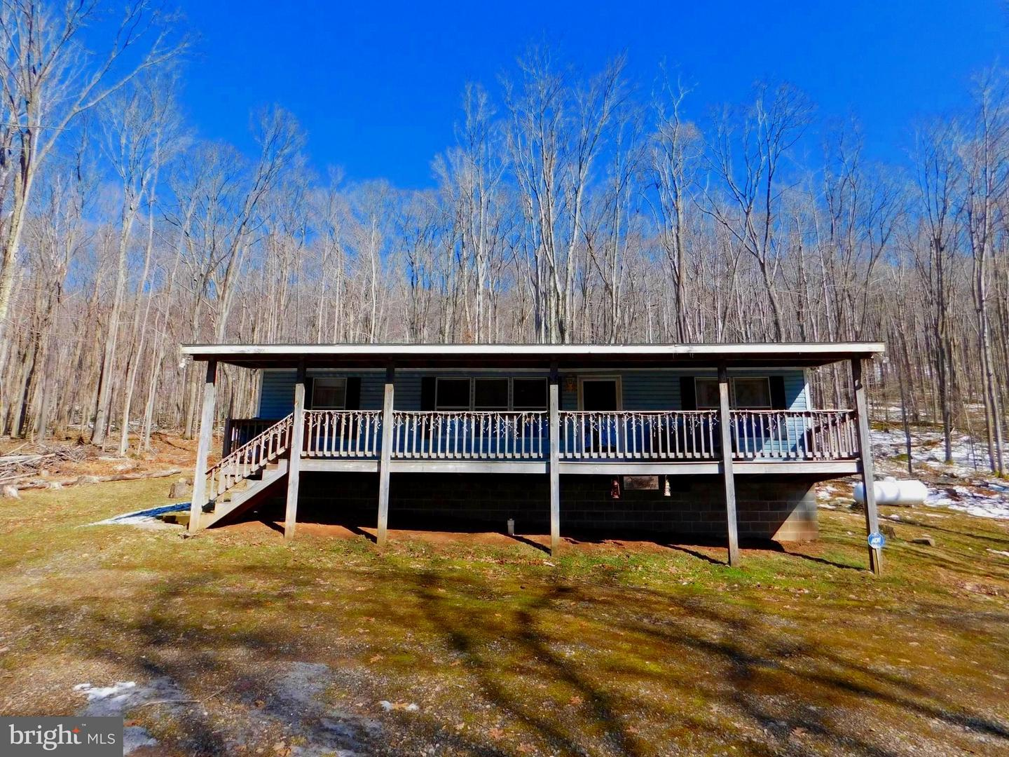 Single Family for Sale at 15 Bear Run Rd Oakland, Maryland 21550 United States
