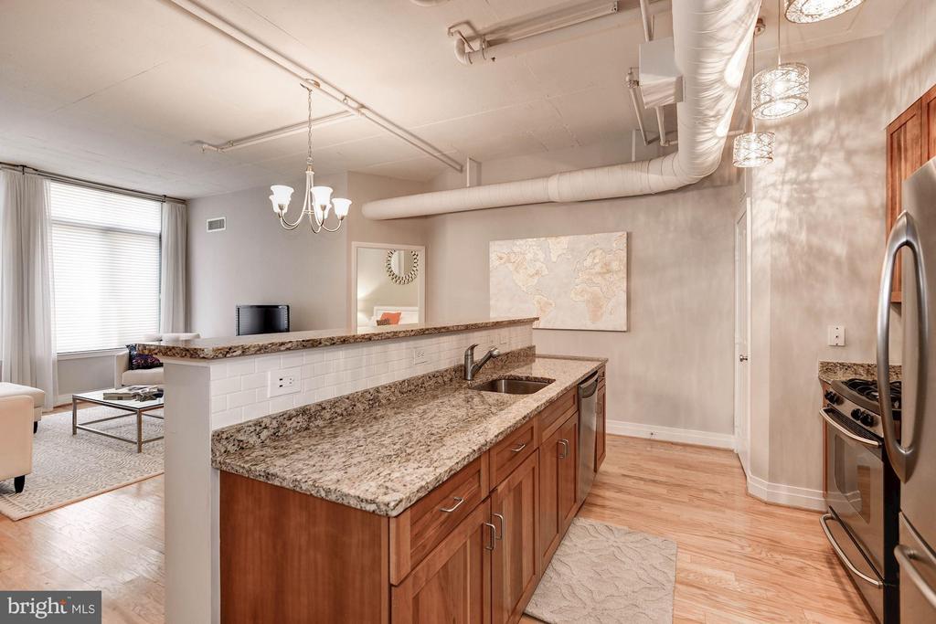 Kitchen - 1205 GARFIELD ST #405, ARLINGTON